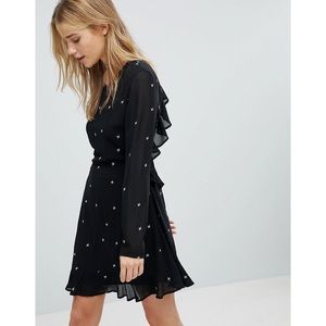 Black Star Embroidered Backless Ruffle Dress